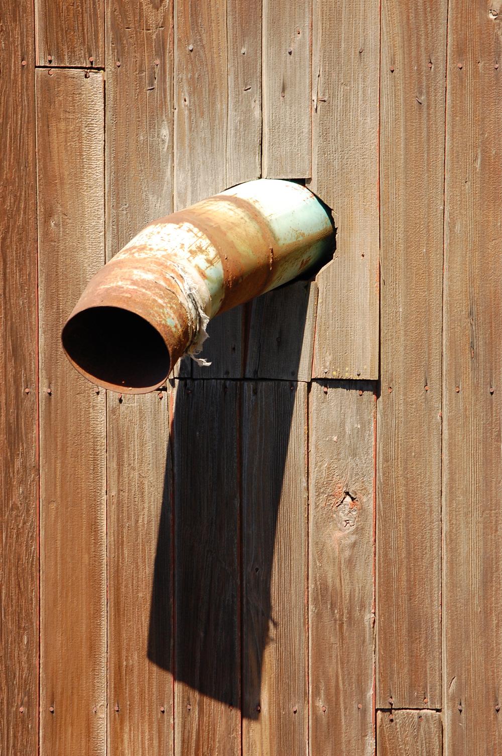wall pipe-1.jpg