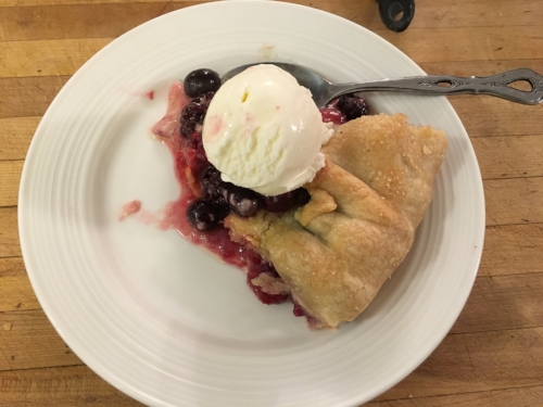 Rustic Deep-dis berry pie