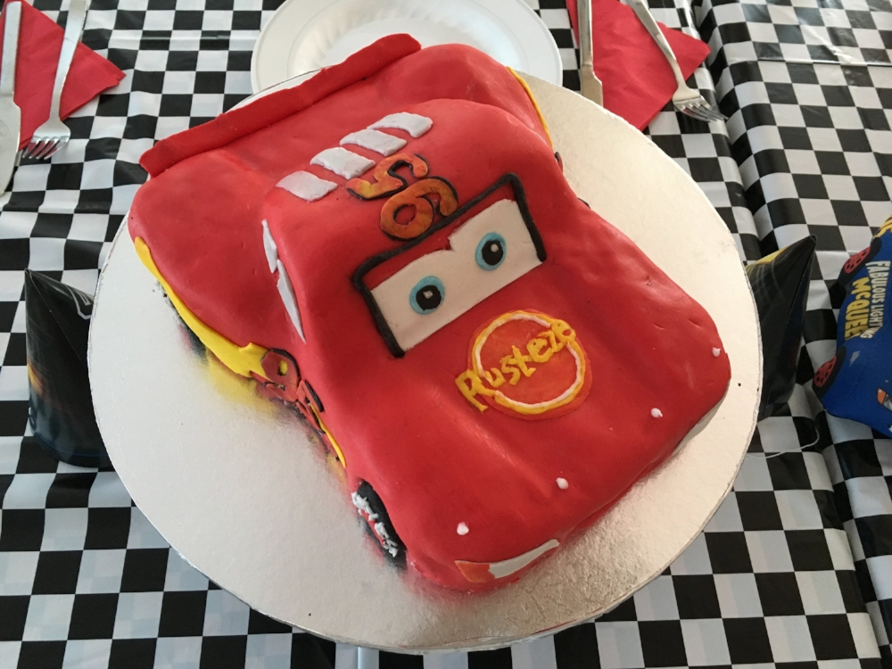 Sensational Creating Cars Lightning Mcqueen Birthday Cake Feeding A Crowd Personalised Birthday Cards Veneteletsinfo