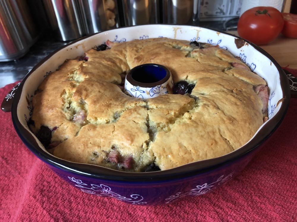apple-blueb cakeIMG_3612 2.JPG