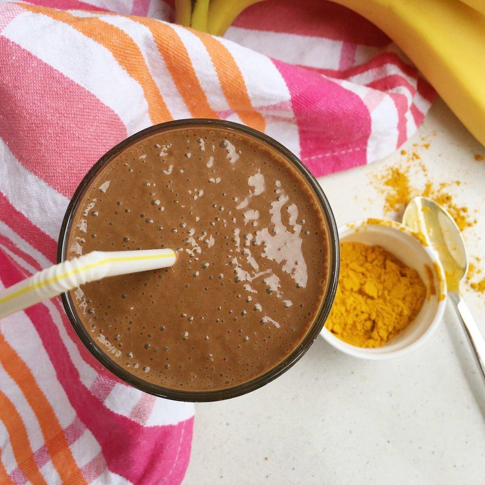 Chocolate turmeric smoothie 2.JPG