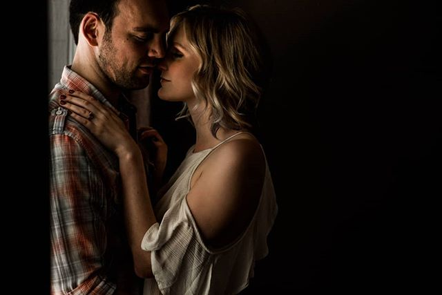 Rainy days are my guilty pleasure. | #radlovestories #muchlove_ig #dirtybootsandmessyhair #loveandwildhearts #belovedstories #photobugcommunity #pnwedding #authenticlovemag #wedventuremag #thewedlist #greenweddingshoes #elopementcollective #portlandphotographer #oregonphotographer #weddingphotographer #elopmentphotographer #travelingphotographer #littlethingstheory #emeryadairphotography #loverly #pnwwildlove #moonlightdaydreamers #sharemyinspo |