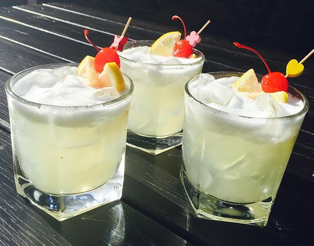It's Friday and tonight's nine@nine includes includes this kickass whiskey sour, $9 cocktails for 90 minutes from 9pm #nineatnine #happyhour #cocktails #whiskeysour