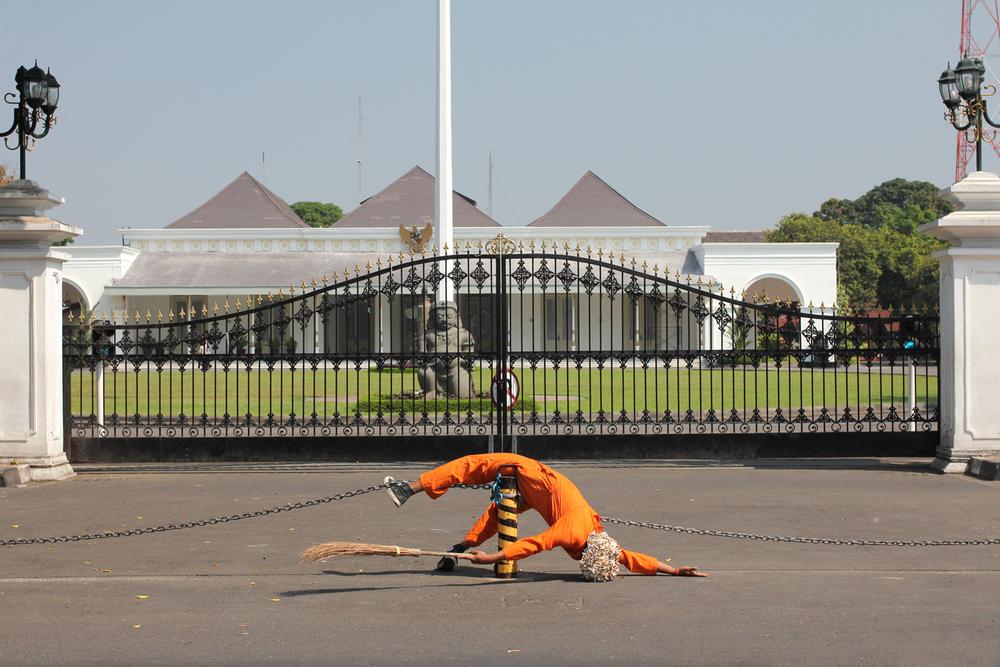 Artist: Jim Allen Abel, Indonesia    Title: Adipura Medium: 3 min video   Dimension: Edition: 3 + 2 AP    Year:2011