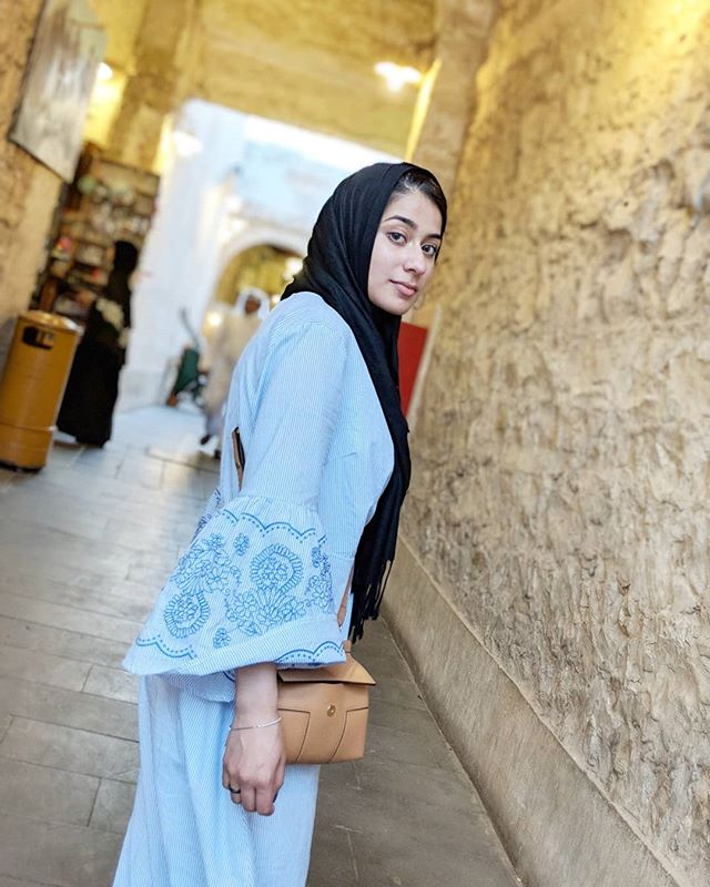 Doha💙 Gorgeous wrap dress by @boutiquezeyna Bag: @toryburch . . . . . . . . . #chichijab#modestmovement#hijabstyleicon#hijabbeauty#portraitphotography#hijabfashioninspiration#modeststreetfashion#modestroute#hijabstyle_lookbook#modestfashion#hijabmodern#hijabstyle#modestclothing#hijabtrend#lfl#nycblogger#blogger#hijabiblogger#modernfh#fashionhijabis#thehijabstyle#Pinterest#momblogger  #hijabfashion#hijabifashion#hijabibloggers#hijabstyleicon#hijabstylelookbook#hijabstyle