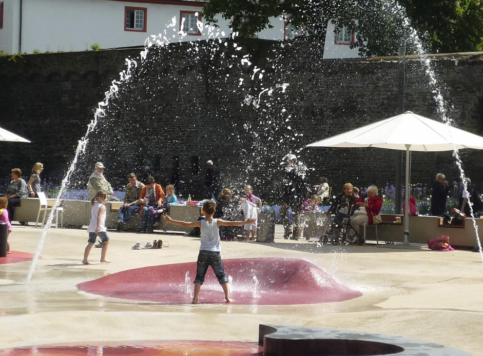 A waterplayground in  Koblenz, Germany - more info on the project can be found   here .    Photo: Studio Dreiseitl.