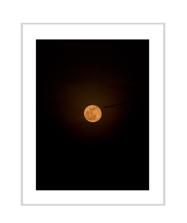 Henrik Strömberg, Moon, 2017, pigment print, 38 x 30 cm, Edition 1_3 + 1AP.jpg