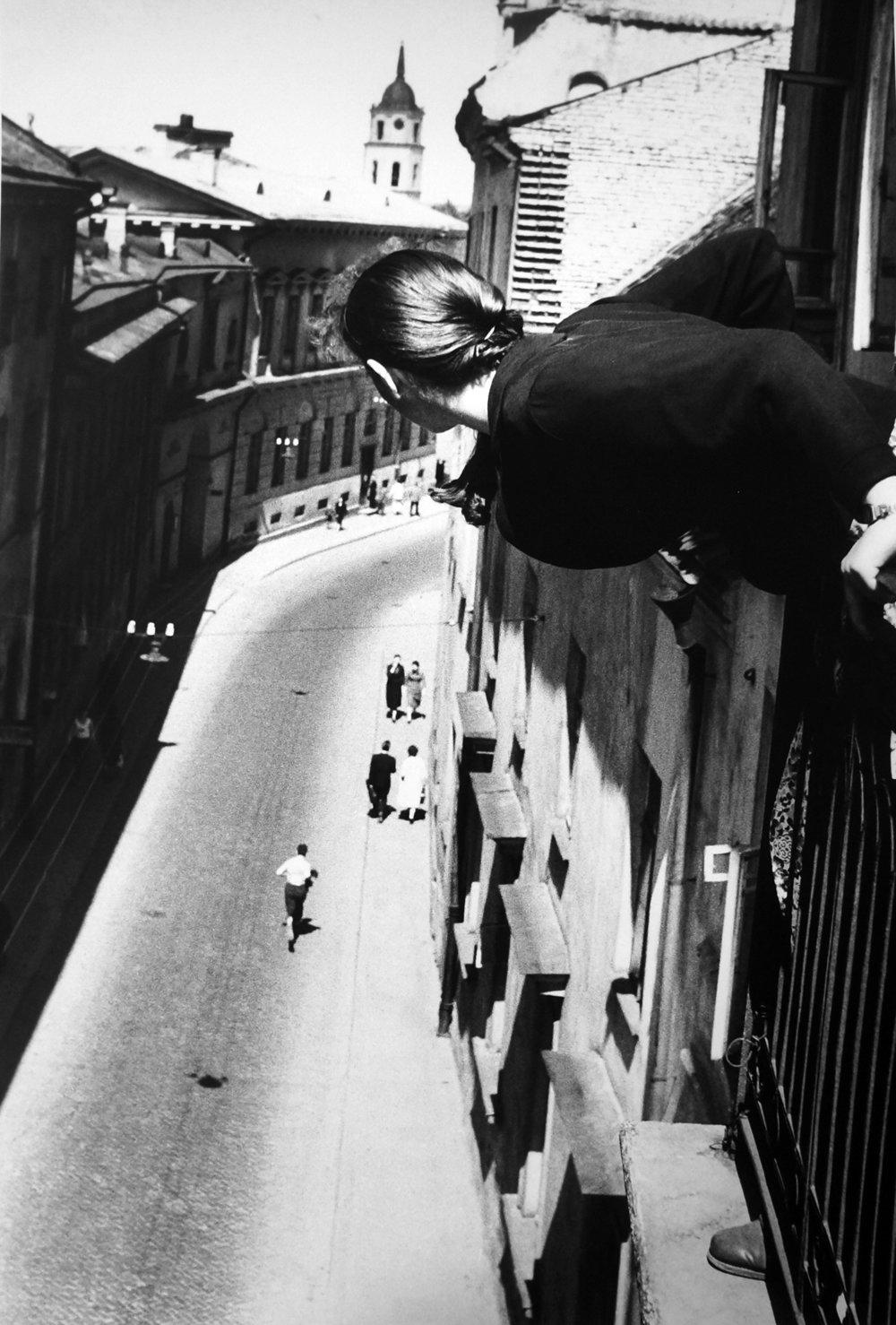 Gallery STP_Antanas SUtkus_Marathon on University Street_1959.JPG