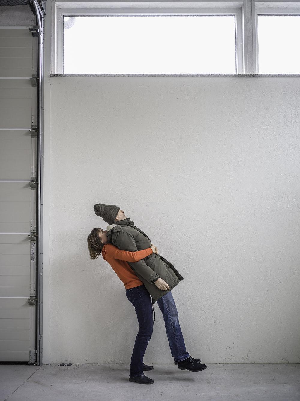 Galleria-Heino_Elina-Brotherus_Carry-and-levitate_2018.jpg