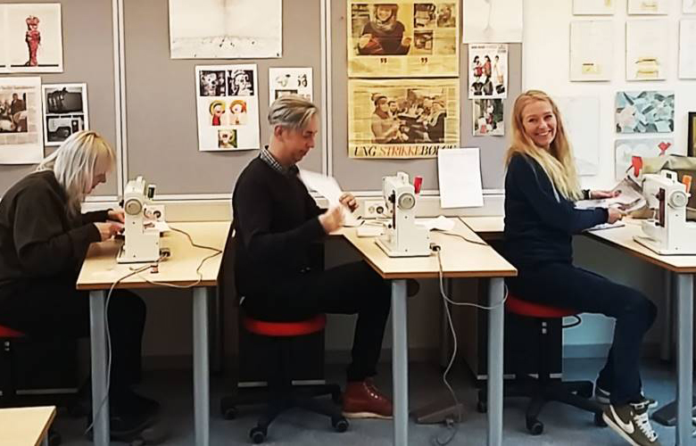 Featured in ByLIVsenteret's article, Skape Sammen, Jobbe Sammen - 20.02.2018 - ByLIVsenteret, Oslo - In the context of the lecture Tin held in Haugesund, Coworking - funker det på bygda?, an article was written by ByLIVsenteret. It elaborates further on some of the thought processes and concepts that was presented by Tin himself. Could the metropolitan phenomenon, coworking spaces prove to be essential for rural places also? The answer from Tin, was a roaring; YES! Find out more why this is so, here!Tin was interviewed alongside with Siv Støldal, one of the initiatives behind Typisk Lærdal, and Gro Sandkjær Hanssen, researcher at OsloMET.Read More!