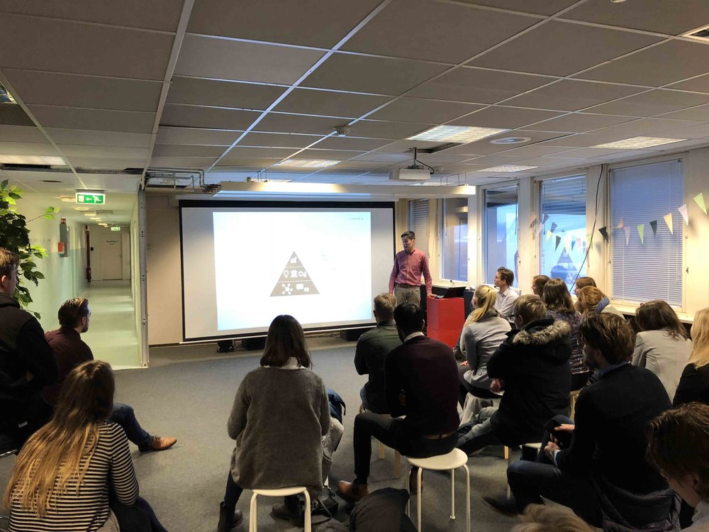Presentation for Trainee Sør - 16.01.2018 - Greenhouse Oslo - Part of Enterspace's informal rounds for Trainee Sør, Tin will present a litle bit on the financial models and socio-economic viability behind coworking spaces such as Greenhouse.Trainee Sør is a regional networking program, with 35 of the Southern region's leading companies. The intention of the program is to strengthen the competitive ability of the region and attract knowledge worker, mainly under 30, with a masters degree. The fields range from tech, economy, ICT, politics and leadership, law, marketing etc.
