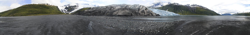 The field of gravel deposited by the retreating terrestrial part of Harriman Glacier was vast as this 180 degree panorama demonstrates. The face of the glacier is almost 2km wide.