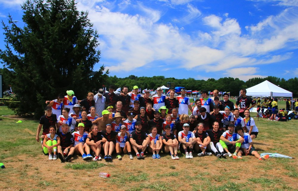 Group photo right after falling 15-12 to eventual World Champions BFG from Seattle, WA.