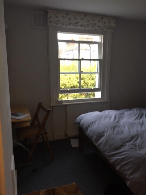 Bedroom 2.2jpg.jpg