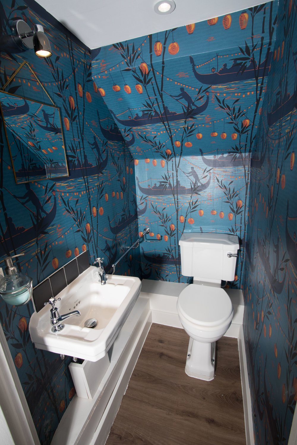Downstairs toilet 1.jpg