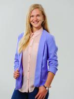Madara Muižniece  Bioloģijas, sociālo zinību un angļu valodas skolotāja
