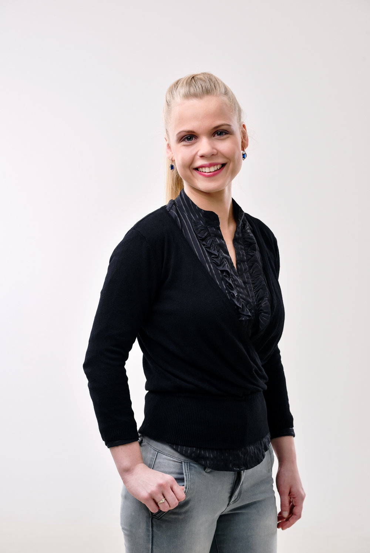 Agnese Jansone  Latviešu valodas un literatūras skolotāja
