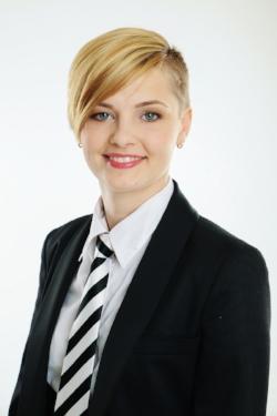 Laura Bicāne Angļu valodas skolotāja