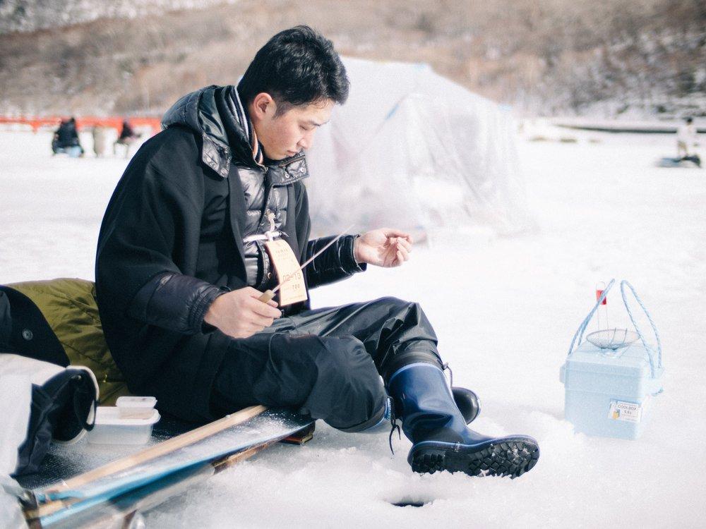 北海道の冬のアクティビティーといえば、「わかさぎ釣り」!絶対楽しい!