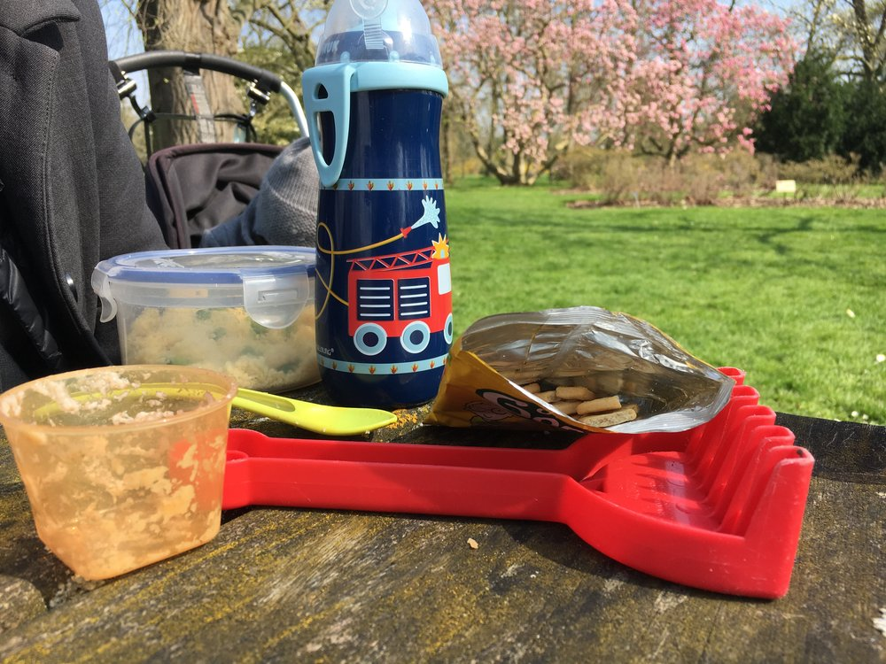 Childs picnic items