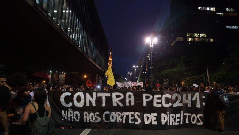 Protesto conta a PEC na Avenida Paulista, em São Paulo / Foto: Paulo Pinto/PT