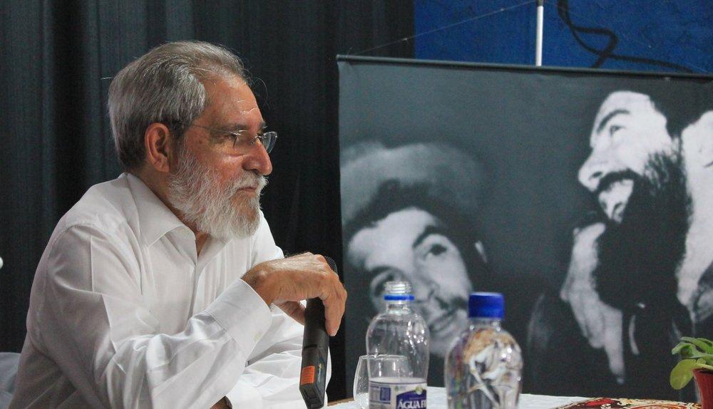 Pepetela durante palestra na José Martí Baixada Santista, em Santos / Foto: Ailton Martins