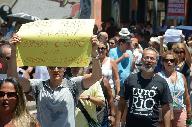 Protesto de servidores públicos no Rio de Janeiro - FOTO: Agência Brasil