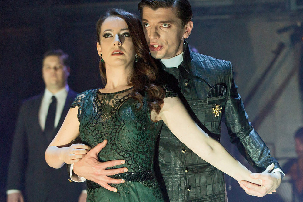 Rachel Kelly as Proserpina with Callum Thorpe in Royal Opera House/ Roundhouse production of Orfeo, 2015