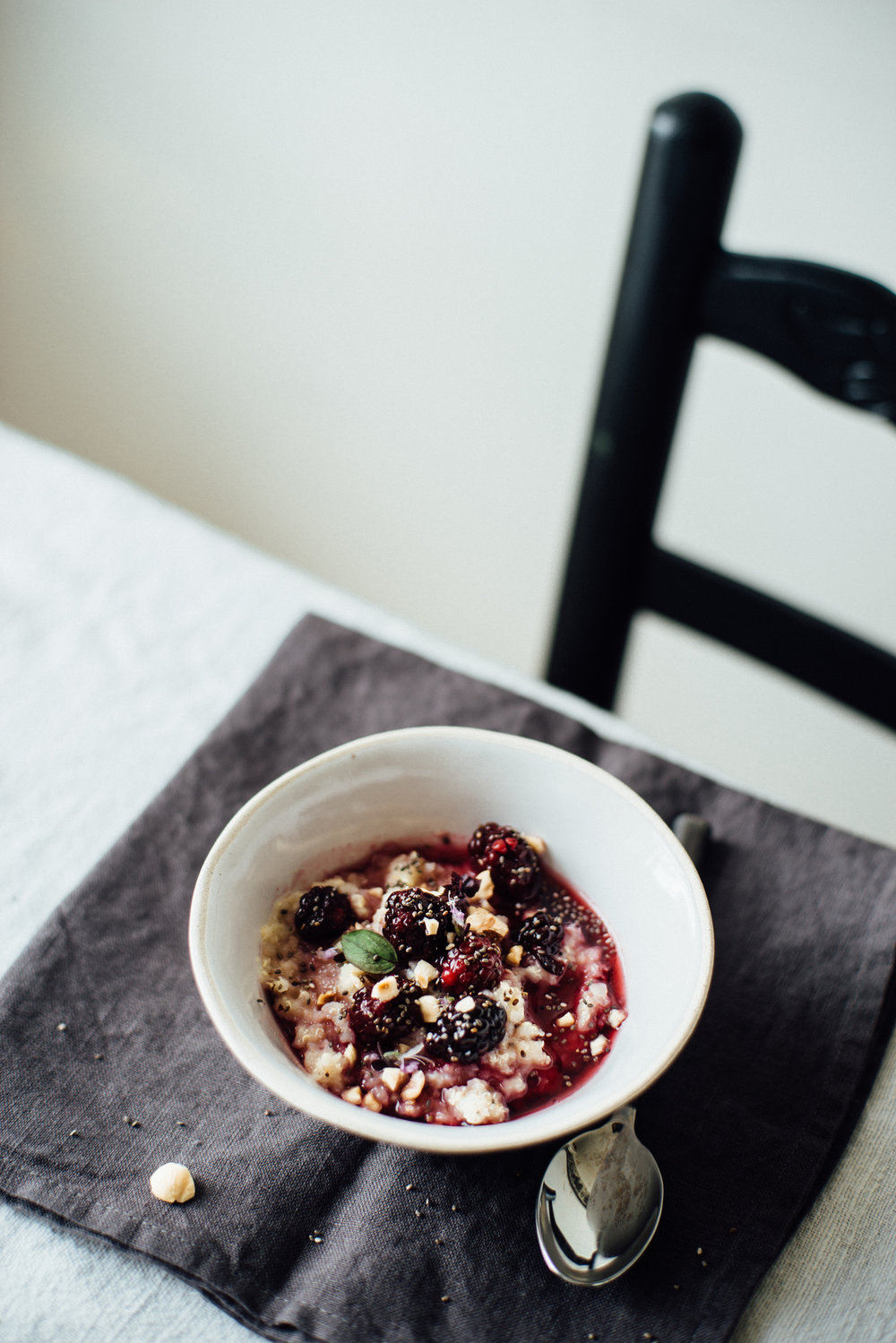 quinoa porridge with blackberry