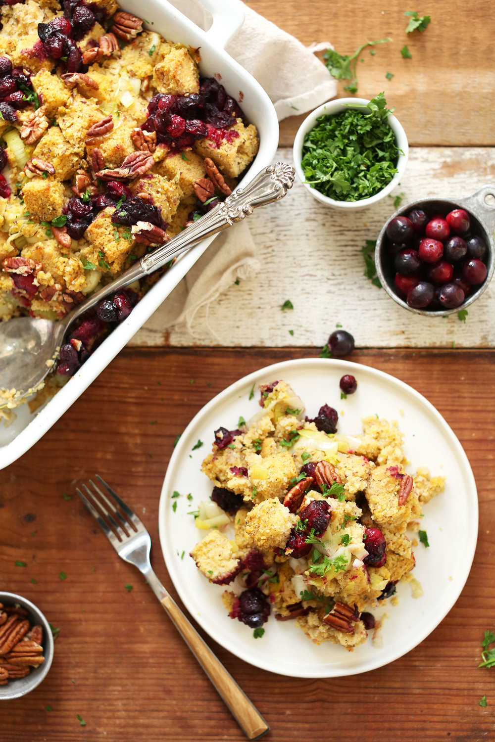 INCREDIBLE-Vegan-Gluten-Free-CORNBREAD-STUFFING-10-ingredients-tender-flavorful-savory-vegan-glutenfree-stuffing-cornbread-recipe-easy.jpg