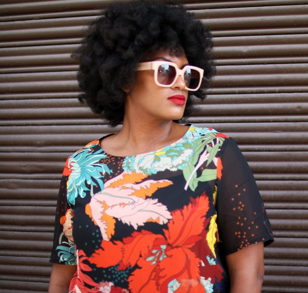 afro + red lip