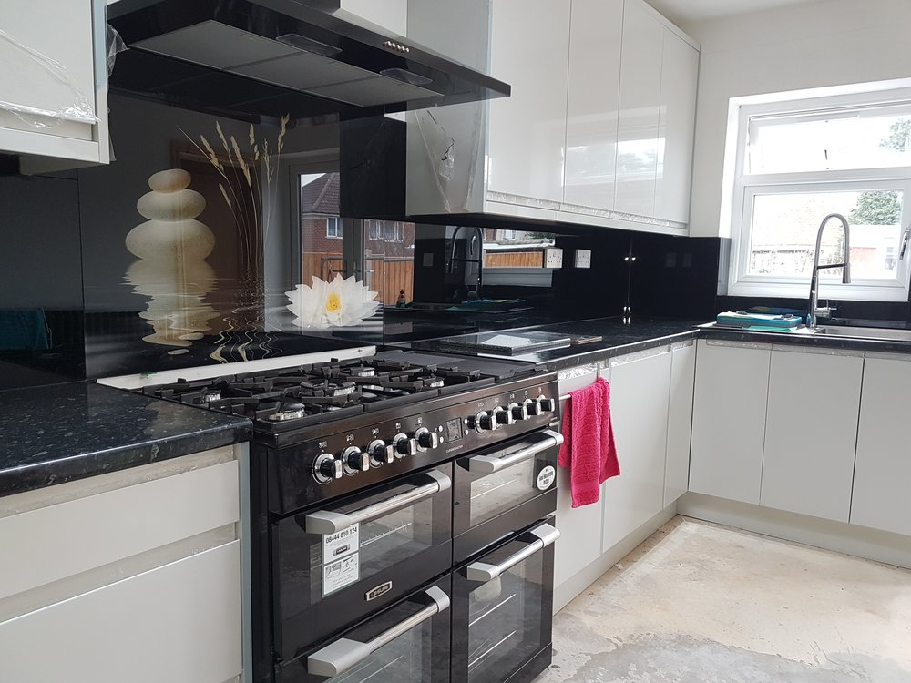 black glass splashbacks