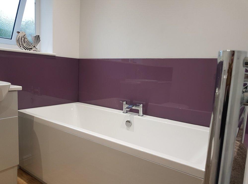 pLum bathroom splashbacks