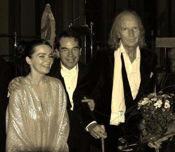 (L-R) Choir Patron Björk Guðmundsdóttir, Choirmaster Hilmar Örn Agnarsson and Sir John Tavener