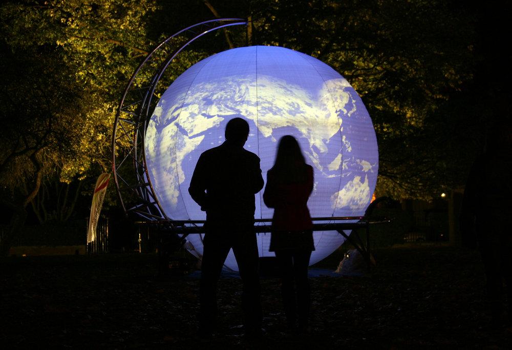 LW-globe-©KippaMathews.jpg