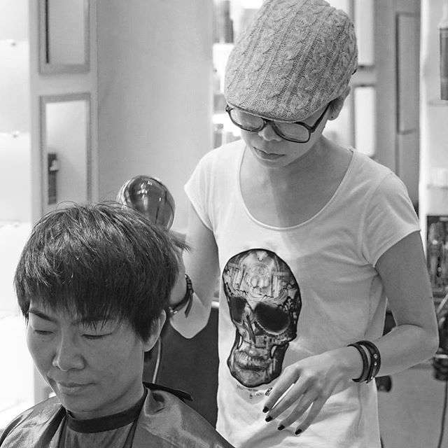 You've always wanted. Take a look at our team profiles and see which of our expert hairstylists would be just right for you! 💇🏻 - Carrie Cheng | Artistic Team Stylist & L'Oreal Professional (HK) ID Artist Stylist As an all-rounded Hair Stylist, Carrie has been proactively engaging in creative initiatives e.g. Hair and Fashion shows, competitions, columns and teaching. With 10 years of experience, Carrie has had a strong sense of hair-styling techniques and product knowledge. 10年經驗, 積極參與不同創作範疇,包括 Hair Show、Fashion Show、時尚雜誌、多項髮型比賽、DARIZI專欄、教學、演講等. Carrie的多年經驗讓她具備扎實的基本技術與專業的產品知識  #team #hairsalon #hair #olaplex #olaplextreatment #coloring #haircoloring #haircare #hairdresser #wanchai #salonhk #hairsalonhk #lorealprofessionnel #stylist #hairstylist #red #hkig #hksalon #hairdo