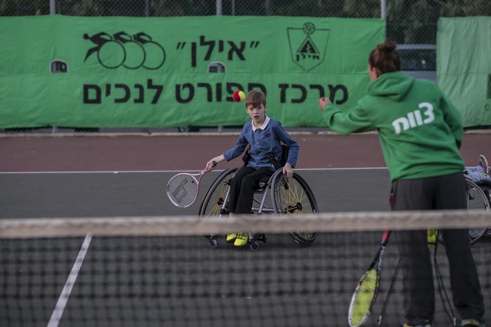 kids_tennis-5_28704838406_o.jpg