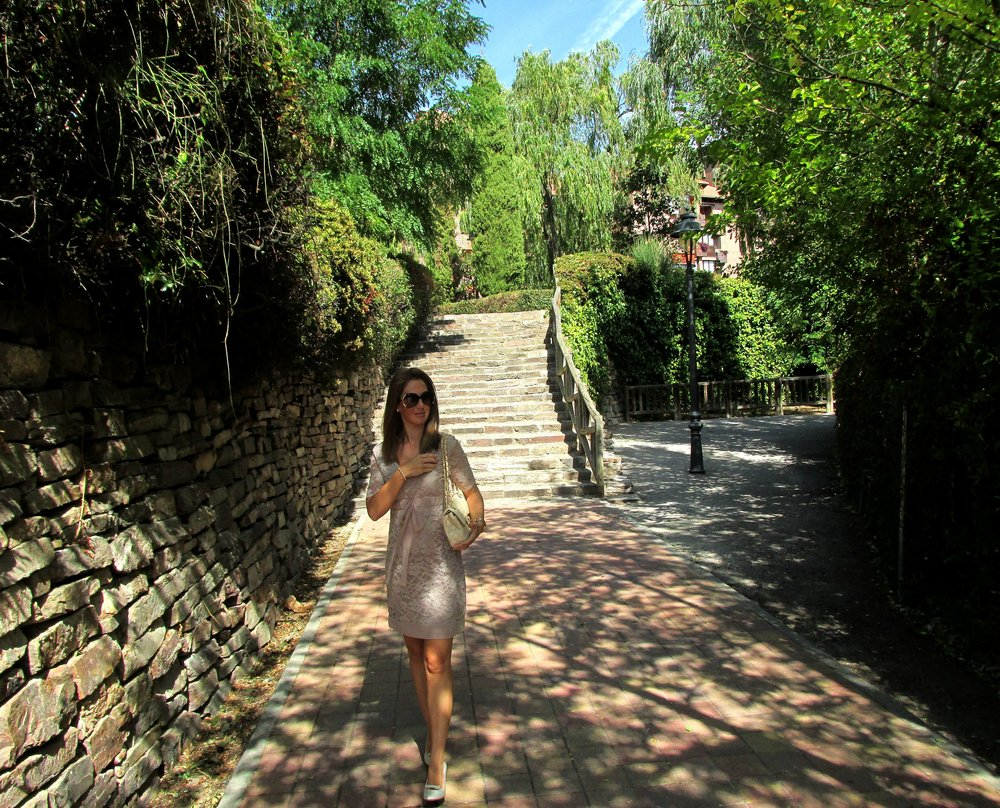 dress nude fashion blog 1