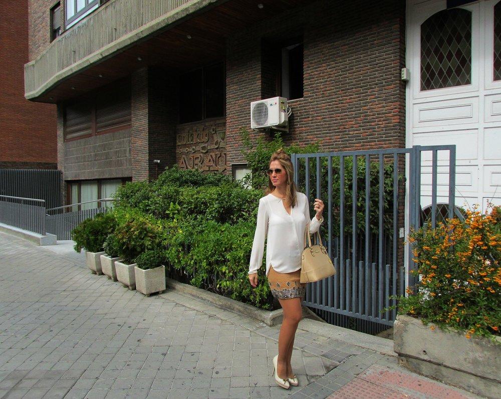 Camel skirt fashion blog 5