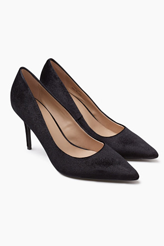 Black heels/ Salones negros