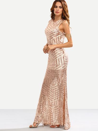 This dress is like a mix of the two of them, I found it in SheIn and you can buy it  here   Este vestido es como una mezcla de las dos. He encontrado este vestido en SheIn y podéis comprarlo  aquí.