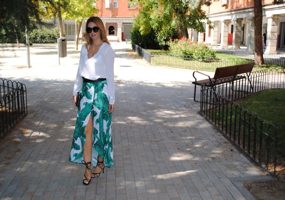 falda envolvente hojas verdes