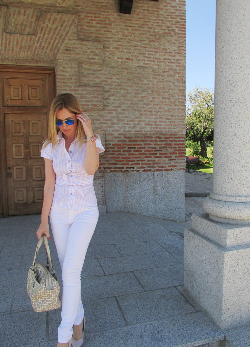 white-pants-massimo-dutti