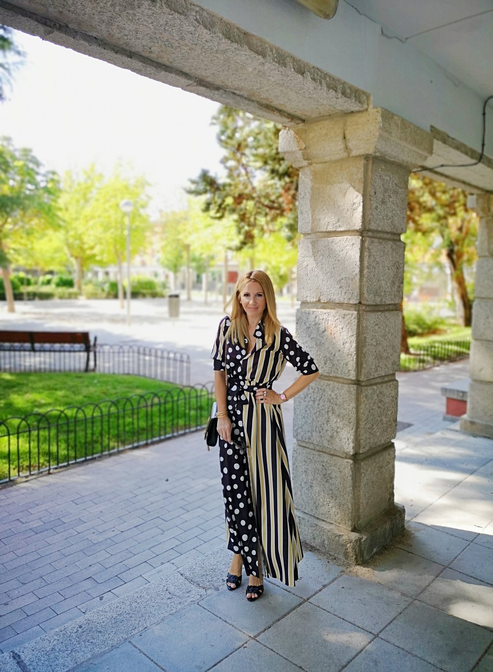 vestido-de-lunares-y-rayas
