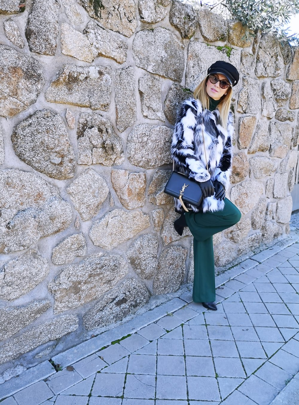 OUTFIT DETAILS: Fur Coat:  SHEIN ; Pants:  SHEIN ; Bag: YVES SAINT LAURENT; Cap: H&M; Sweater: ZARA (old); Belt: GUCCI; Ankle Boots: PEDRO MIRALLES,