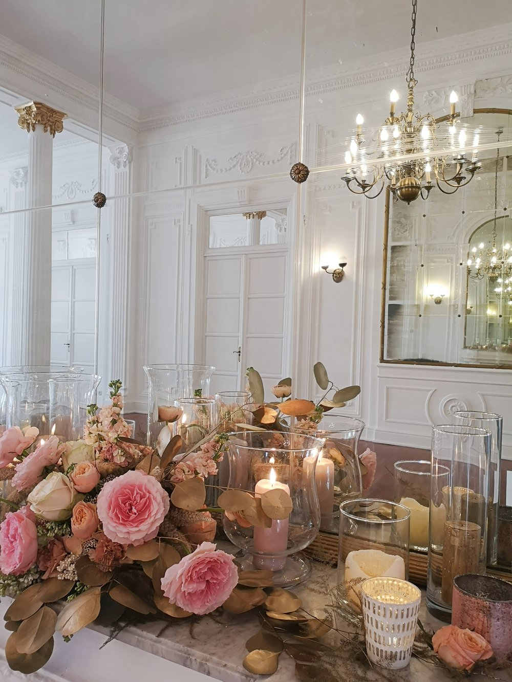 Cuando os digo que el evento fue elegante, es que fue elegante. Mirad con qué detalle decoraron cada uno de los rincones de la estancia.