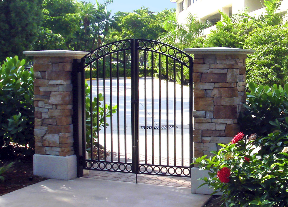 architectural_metal_gates_02.jpg