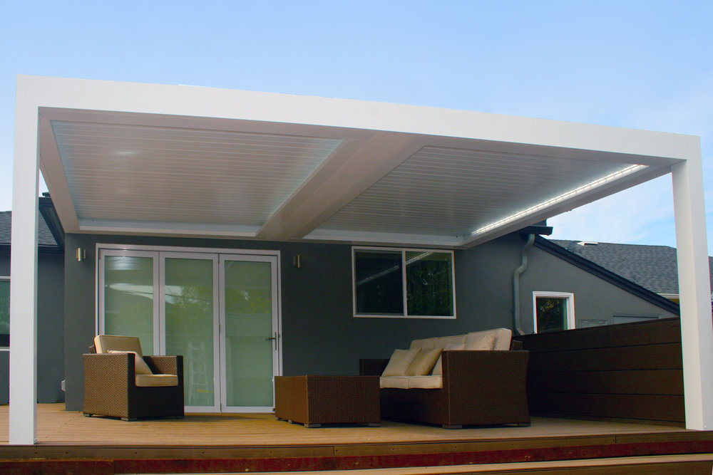 opening_louvered_roof_1.jpg