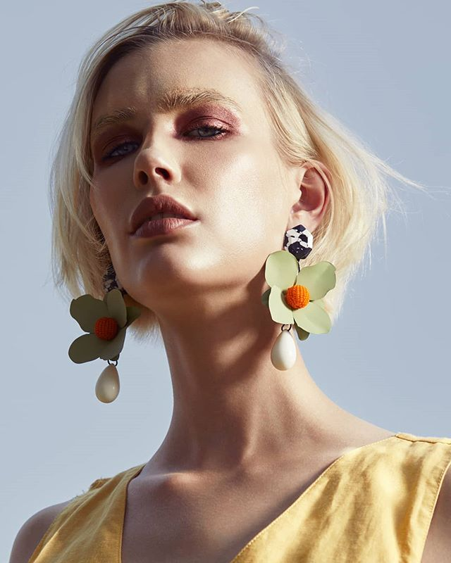. Model: @makaylaharmon_ / @kimdawsonagency  Hair & Makeup: @vivemakeup / @seaminxartistmgmt . . . . . #floral #jewelry #accessories #earrings #modeling #makeup #hair #photoshoot #woman #chic #hairstyle #style #mua #shorthair #artistry #beauty #fashion #fashionmodel #modeling #modelsofinstagram #photography #photooftheday #photographer #dallasphotographer #dallas #ootd #lotd #beautiful