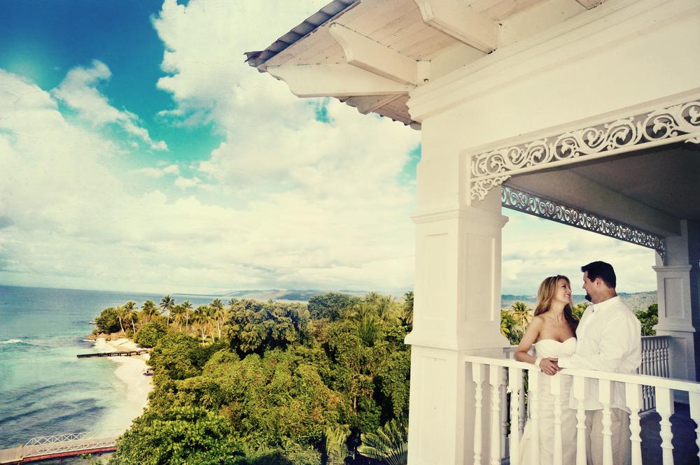 Balcony couple.jpg